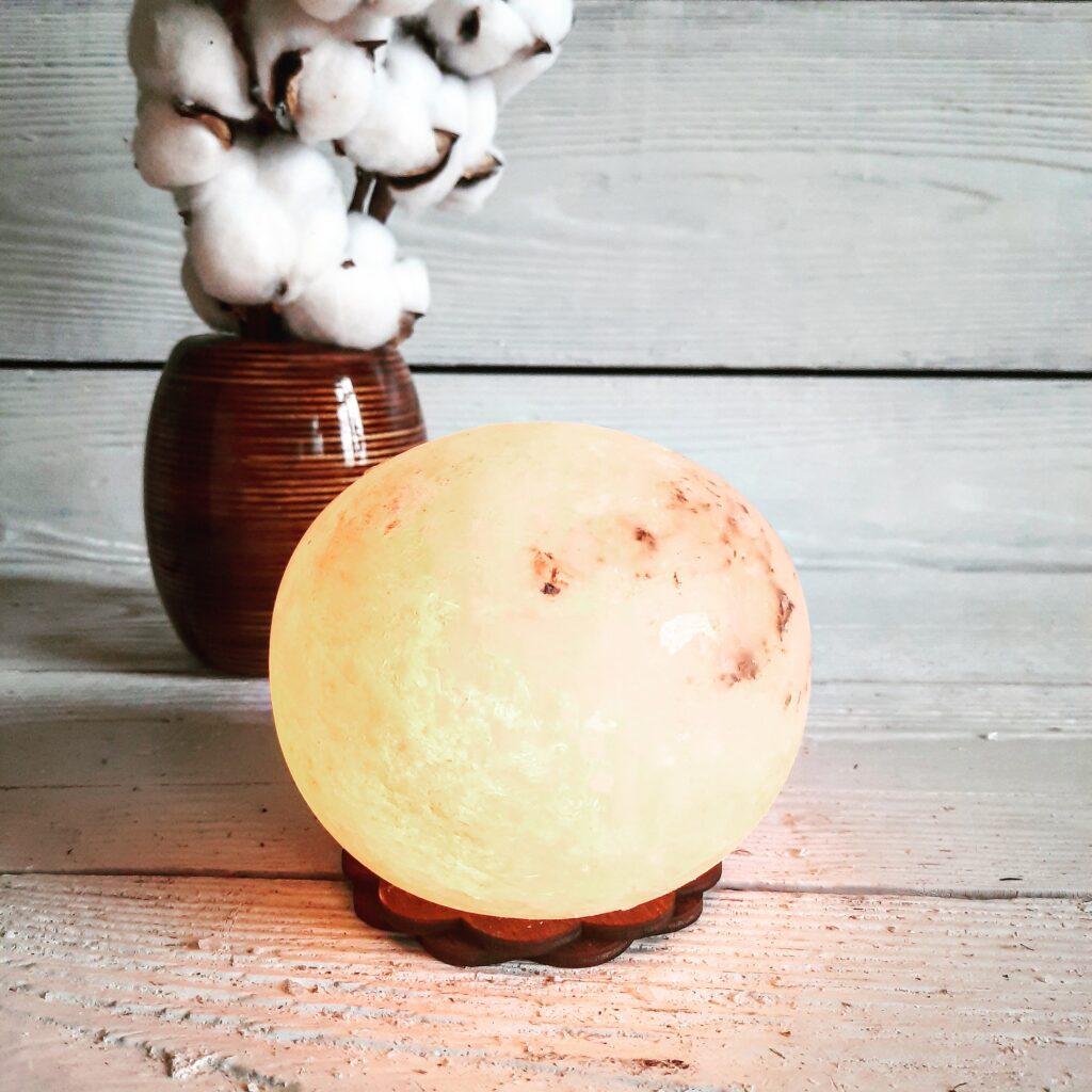 """Соляний світильник """"Куля"""" 2кг"""